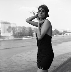 Ensemble (Flibustier et Cie) Tags: bw woman paris 6x6 girl beautiful seine mediumformat wonderful jane gorgeous femme nb bronica belle jolie lovely douce brune sqa classy elegante superbe frenchwoman moyenformat femmefrancaise