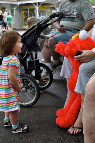 A little boy had a HUGE Elmo... I think it was the highlight of Olivia's day. :)