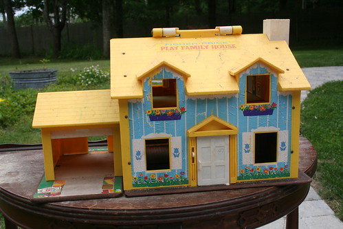 Fisher Price Play Family House, front