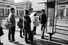 (978) Tags: street travel bw bus film japan kyoto 28mm   kansai   fujifilmneopan100acros  fujifilmklassew