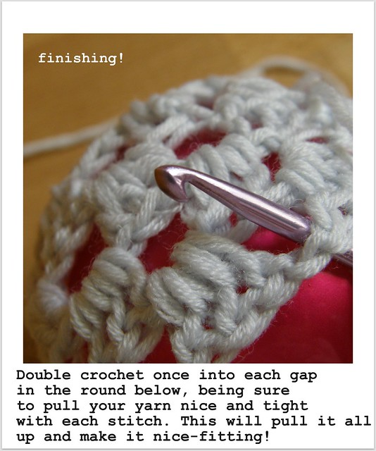 image 15 : Crocheted Baubles
