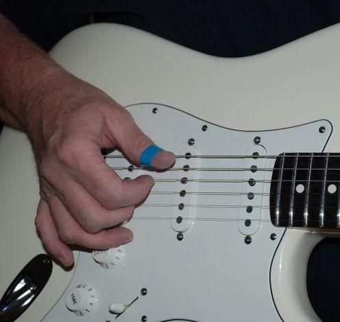 吉他右手姿勢