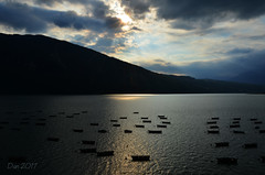 ... (♥danars♥) Tags: acqua barche cielo lagodiscroce sole raggi