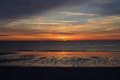 sunset (christian mu) Tags: norderney germany ostfriesischeinseln ostfriesland strand beach sunset meer sea northsea ocean clouds christianmu sonya7ii sony planar planar5014 50mm 5014 sonnenuntergang milchbar ebbe lowtide meineinsel