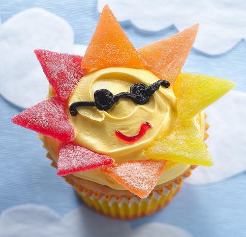 yellow sun cupcake