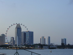 """Waiting for the lights to be """"on"""" (Anu.karthik) Tags: flyer singapore marinabarrage"""