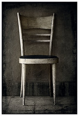 Sedia (Sander ) Tags: texture photoshop vintage 50mm chair nikon fav d200 1025 sedia flickraward flickraward5 4timesasnice