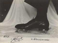 'Klapschaats' uit 1936 / Clap skate (Nationaal Archief) Tags: winter skate invention schaatsen schaats ijspret schlittschuh clapskate schlittschuhlaufen klapschaats nationaalarchief schaatssport uitvinding klappschlittschuh