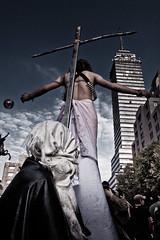 Cristo Latino (Chubakai) Tags: color canon performance nubes cielos reforma tlatelolco marcha personajes 40aos matanza 2deoctubre conmemoracin noseolivida ltytr1