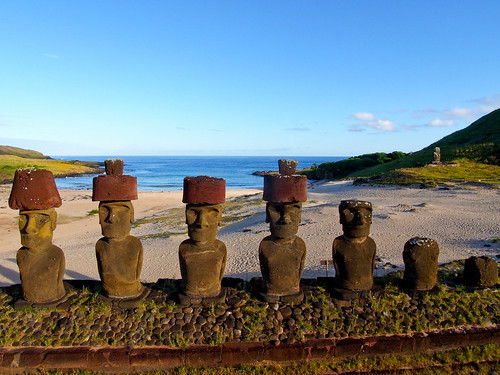 Anakena, Easter Island seen from a pole by Pierre Lesage, on Flickr
