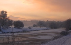 Frozen tees at dawn 2 (Bishop Thumpetythump) Tags: snow dawn yarm winterscene rivertees forzenriver