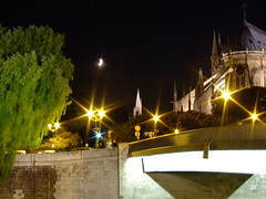 Notre Dame - Paris ($a) Tags: camera light paris seine night digital finepix notre dame nuit s6500fd