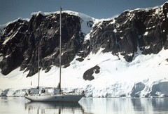 880204 088 Neumayer Channel (rona.h) Tags: 1988 february antarctic cloudnine ronah neumayerchannel