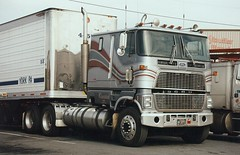 Ford CL9000 (PAcarhauler) Tags: tractor ford truck semi coe cl9000
