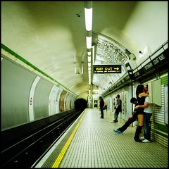 Way in (Dani3D) Tags: london underground kiss metro tube hasselblad tottenhamcourtroad fujipro800z