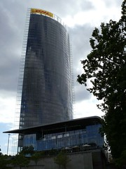 P1160435 (El-tra) Tags: building glass architecture skyscraper bonn steel telekom architektur gebude glas nordrheinwestfalen gebaeude hochhaus stahl posttower northrhinewestphalia