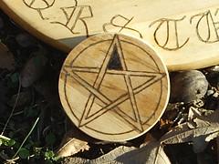 Pentagram Planchette for Ouija board (dragonoak) Tags: pentagram ouijaboardseancecontactspiritsghostshauntinghaunted plancette