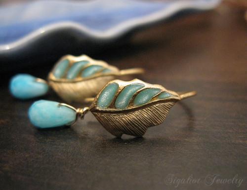 Tiny Leaf Earrings
