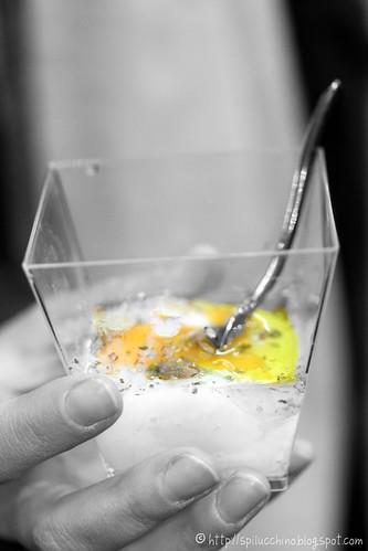 l'uovo di Parisi con le mani più belle del web