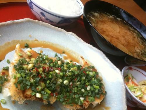 青源本町店のネギ味噌餃子定食だぜ。割と穴場。オススメ!