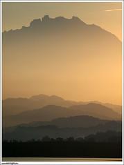 Bukit bukau bagai menyokong Kinabalu (sam4605) Tags: sunrise river scenery olympus mount gunung kinabalu sungai pemandangan mengkabong