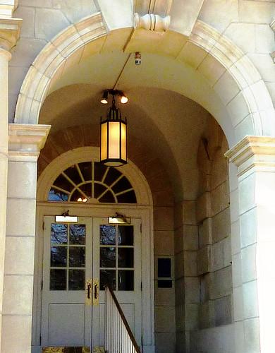 P1000641-2010-02-07-Shutze-Emory-Hospital-East-Entrance-Vault-Detail
