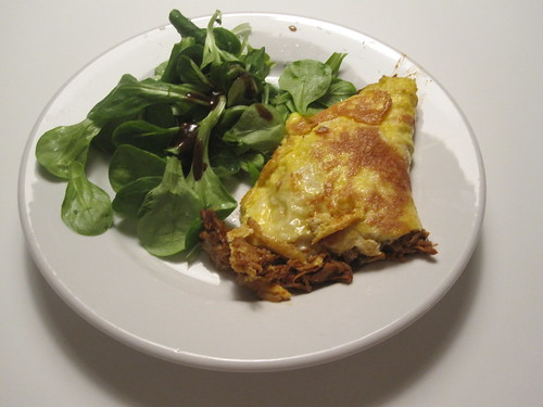 Pulled pork omelet, salad