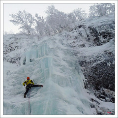L-bas si j'y suis (Dino8.) Tags: winter mountain ice montagne hiver mountaineering neige glace alpinisme dino8