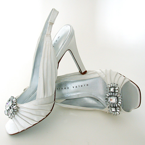 Wedding shoes open front with a crystal decoration ideas