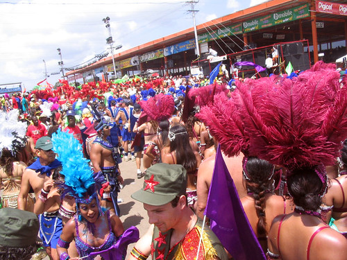 Stage_Crossing_at_Trinidad_Carnival