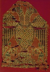 Lyon two-headed spread eagle from Thuir, 12thc Spain (julianna.lees) Tags: ancient silk shroud textiles sassanian doubleheaded sassanid suaire