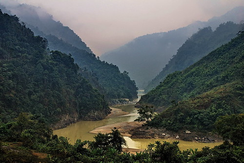 Black River Valley nr Lai Chau, Vietnam