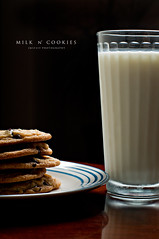 Milk and Cookies (JMSF415) Tags: glass cookies milk plate homemade onelight sb800 nikkor50mm14 365daysproject nikond300 jmsf415 43umbrella