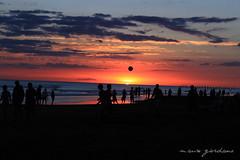 Sunset II (Desde Los Satelites) Tags: sunset sky people sun playing sol beach water clouds ball atardecer evening soleil sand agua eau shadows gente playa arena cielo nubes nuages plage sombras siluetas tarde jugando pelota caidadelsol