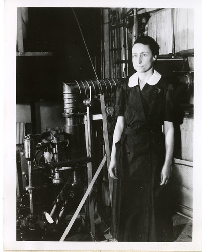 Herta R. Leng (1903-1997), 1940, by Science Service, Black-and-white photograph, Smithsonian Institution Archives, Acc. 90-105 - Science Service, Records, 1920s-1970s, SIA Acc. 90-105 (SIA2008-5248).
