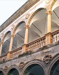 Detalle de la galeria (Micheo) Tags: architecture arquitectura arc arco complaint decayed arcos abandonado renacimiento queja micheo castillodelacalahorra marquesadodelzenete palaciorenacentista