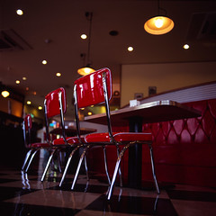 chairs (Akira ASKR) Tags: red bronica icecream okinawa  chatan 2010 icecreamparlor velvia100f bronicas2  rvpf zenzabronica  cmwdred cmwdweeklywinner  bluesealicecream akiraaskr