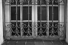 3 - 17 mars 2010 Maisons-Alfort Rue de l'Amiral Courbet  Ferronnerie (melina1965) Tags: windows blackandwhite bw mars window march nikon iron ledefrance noiretblanc faades ironwork fentre faade fer 2010 ironworks fentres misterrogersneighborhood smrgsbord valdemarne gr8 maisonsalfort ferronnerie d80 geniiloci thisphotorocks nocommentsrequired novideoonflickr youarenotinfrontofyourtv nikondslrforum