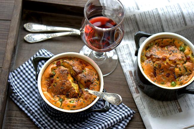 Cocotte de petits pois, jambon et boursin
