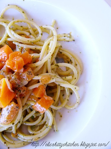 Spaghetti zucca e pesto di fiori di zucca