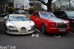 Bugatti Veyron Centenaire and Rolls Royce Phantom Drophead [EXPLORED] (Richard T Smith) Tags: street uk family london season t spur mercedes flying nikon dubai royal smith harrods knightsbridge arab richard rolls kuwait phantom abu dhabi bugatti mayfair rare sheikh supercar dorchester royce bentley qatar centenaire supercars combo veyron 555 sloane 444 d60 drophead hypercar