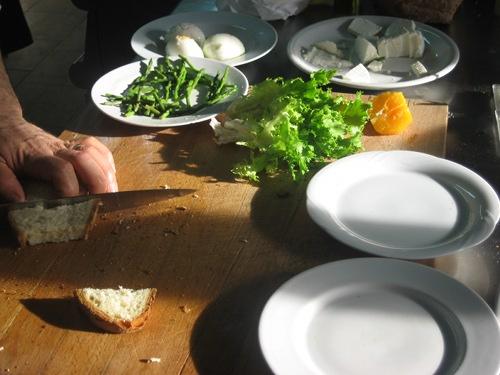 """Preparazione e ingredienti per il """"benedetto pugliese"""" foto di Mauro Giammarini"""