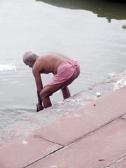 Washing 1.1 (amiableguyforyou) Tags: india men up river underwear varanasi bathing dhoti oldmen ganges banaras benaras suriya mundu uttarpradesh ritualbath hindus panche bathingghats ritualbathing langoti dhotar langota