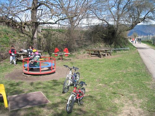 Spielplatz am Rande des Fahrradweges zwischen St. Michael/ Eppan und Kaltern