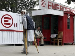 Operatori Emergency nel cuore di Kabul