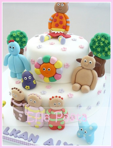 ın the night garden cake