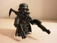 He means trouble! (ExoBrick) Tags: uas brickarms mmcb customminifig minifigcat tinytactical