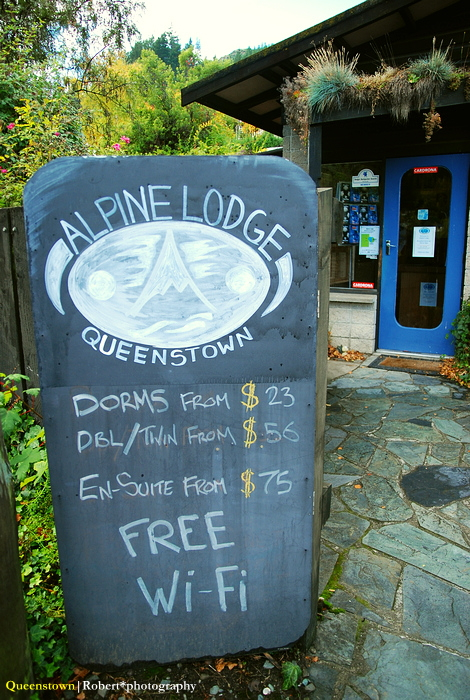Alpine Lodge - signboard