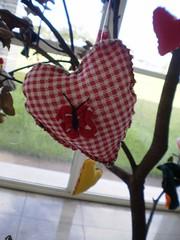 BORBOLETA RED (rosaestilosa) Tags: love arte heart amor pano artesanato mother craft fuxico coração mãe tecido retalho handmede