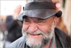 (Andrea Bernesco) Tags: santa smile bologna sorriso mercato barba professore cappello croce simpatico accademia pittura canon50mm14